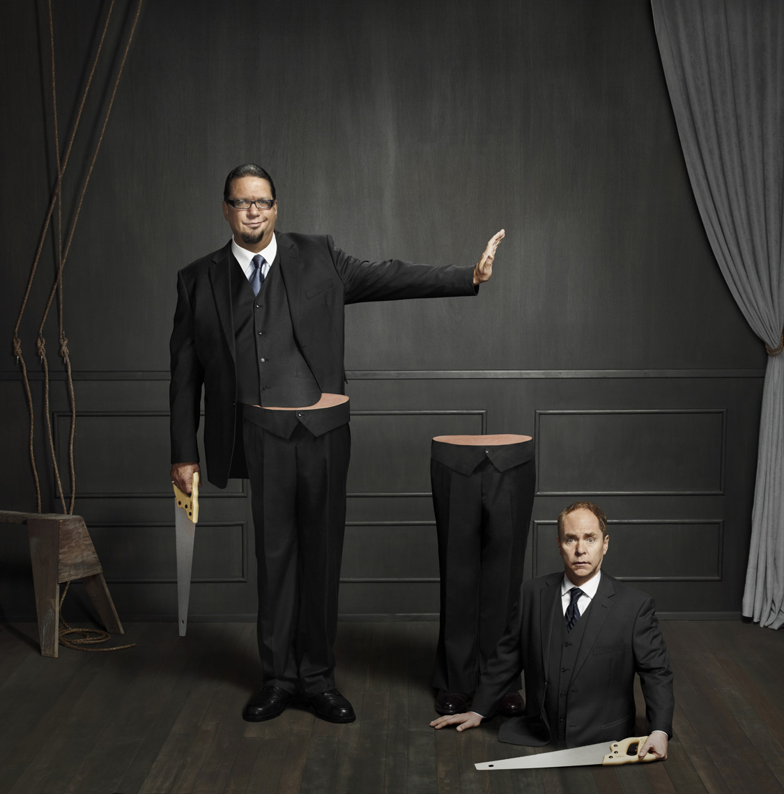 Penn&Teller_SawPush-1
